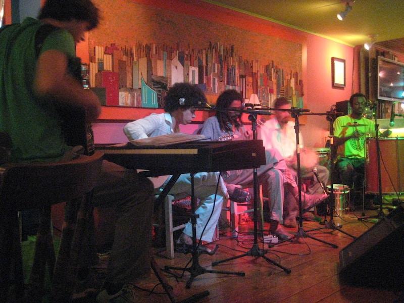 Samba do Raiz band