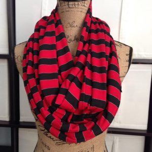 10 gifts every female traveler wants the budget minded traveler travel scarf with hidden pocket gumiabroncs Gallery